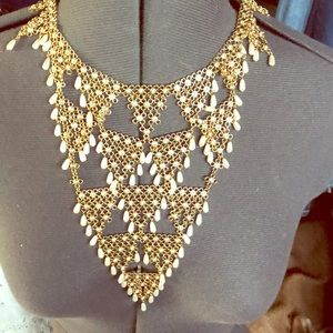 NWT Sole Society faux pearl necklace